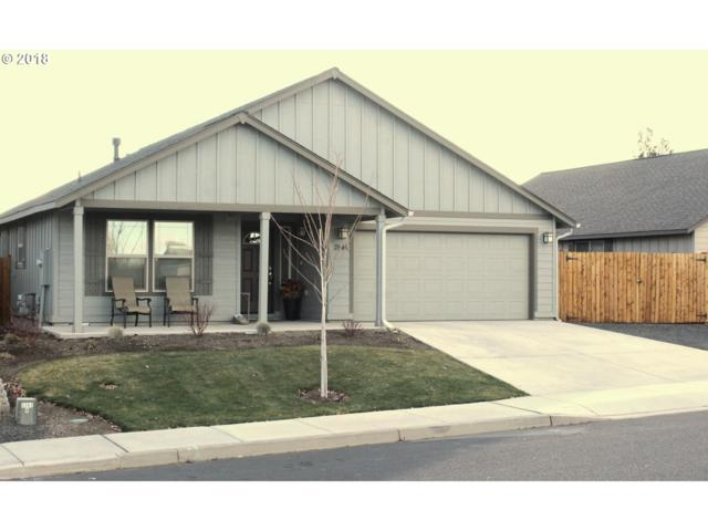 2646 SW Juniper Ln, Redmond, OR 97756 (MLS #18443230) :: Hatch Homes Group