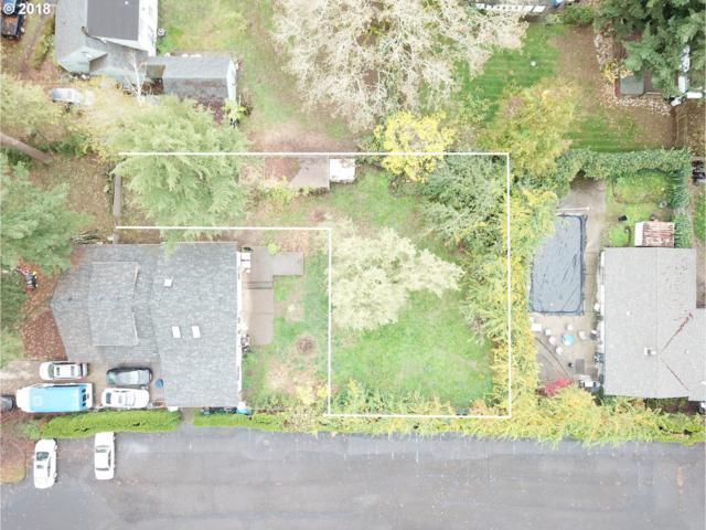 14107 SE Lee Ave, Milwaukie, OR 97267 (MLS #18443953) :: Townsend Jarvis Group Real Estate