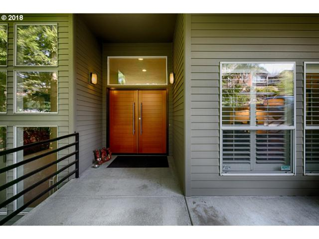 3918 SW Greenleaf Dr, Portland, OR 97221 (MLS #18447662) :: McKillion Real Estate Group