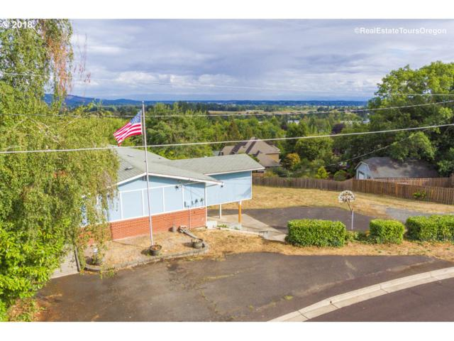 441 SW Dogwood Dr, Dundee, OR 97115 (MLS #18458381) :: The Dale Chumbley Group
