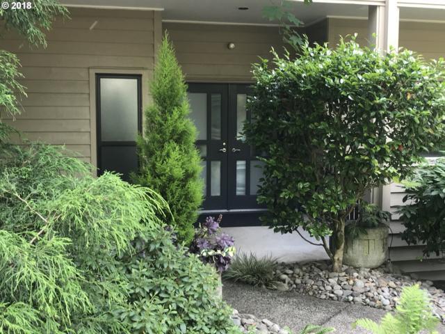 334 SE Spokane St, Portland, OR 97202 (MLS #18458678) :: TLK Group Properties