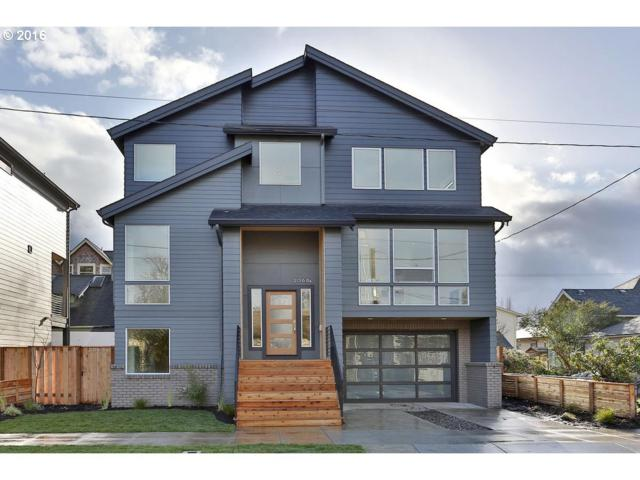 2020 SE Ivon St, Portland, OR 97202 (MLS #18458959) :: The Dale Chumbley Group