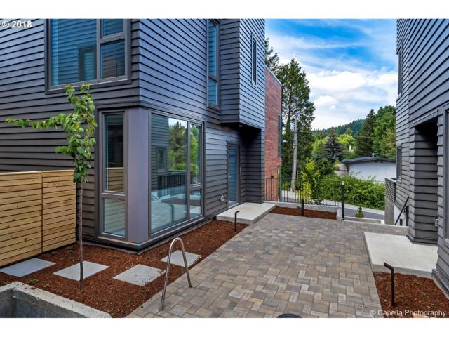 2035 SW Vermont St #3, Portland, OR 97219 (MLS #18482084) :: Hatch Homes Group