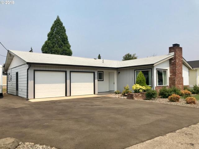 1794 NW Calkins Ave, Roseburg, OR 97471 (MLS #18494712) :: Portland Lifestyle Team