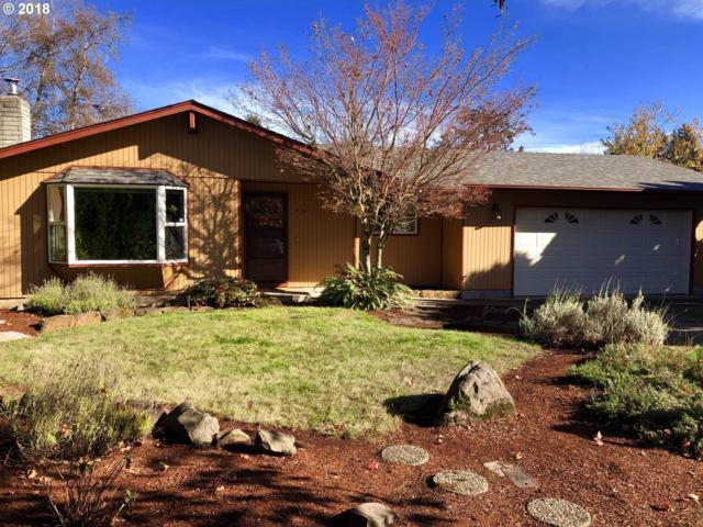 427 64TH St, Springfield, OR 97478 (MLS #18500061) :: Song Real Estate