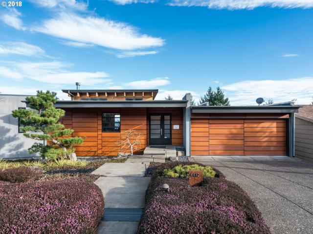 4412 SW Council Crest Dr, Portland, OR 97239 (MLS #18507405) :: TLK Group Properties