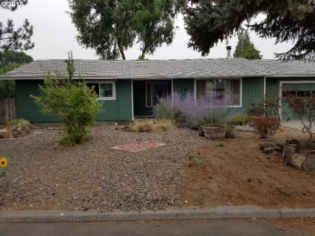 779 SE Knowledge St, Prineville, OR 97754 (MLS #18517024) :: Cano Real Estate