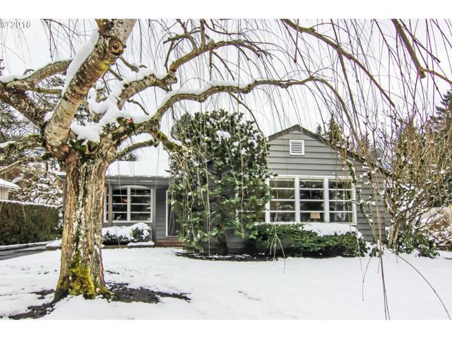 3420 SW Seymour St, Portland, OR 97239 (MLS #18523798) :: McKillion Real Estate Group