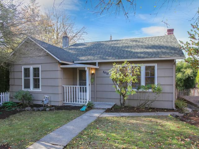 8415 SE 7TH Ave, Portland, OR 97202 (MLS #18527219) :: Cano Real Estate