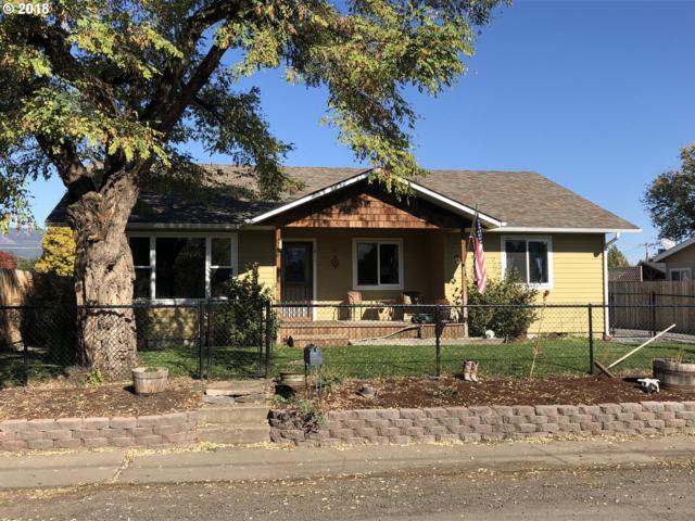 1811 V Ave, La Grande, OR 97850 (MLS #18529004) :: Fox Real Estate Group