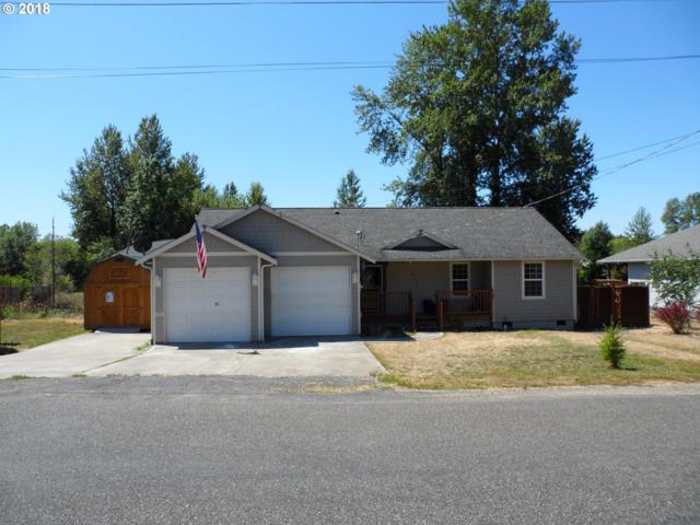 811 NW St Helens Ave, Chehalis, WA 98532 (MLS #18529164) :: Hatch Homes Group