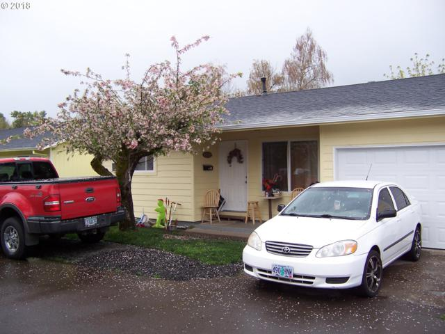 504 E 9TH St, Newberg, OR 97132 (MLS #18542315) :: Fox Real Estate Group