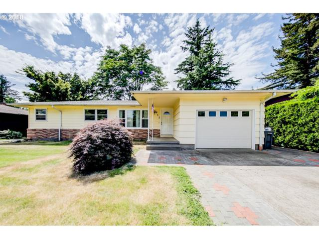 911 SE 165TH Ave, Portland, OR 97233 (MLS #18543312) :: Hatch Homes Group