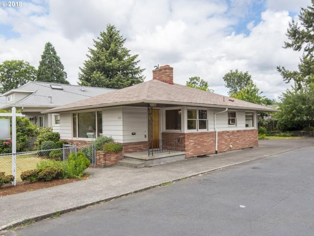 4905 SE Lincoln St, Portland, OR 97215 (MLS #18545057) :: Hatch Homes Group