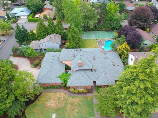 4911 SE 33RD Ave, Portland, OR 97202 (MLS #18548886) :: Hatch Homes Group
