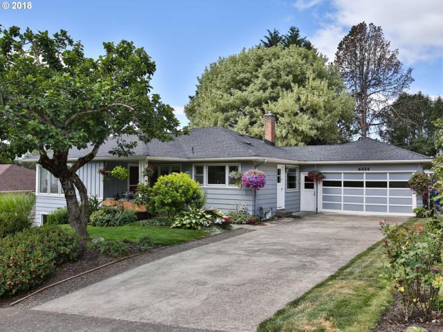 6454 SW Loop Dr, Portland, OR 97221 (MLS #18550078) :: The Sadle Home Selling Team