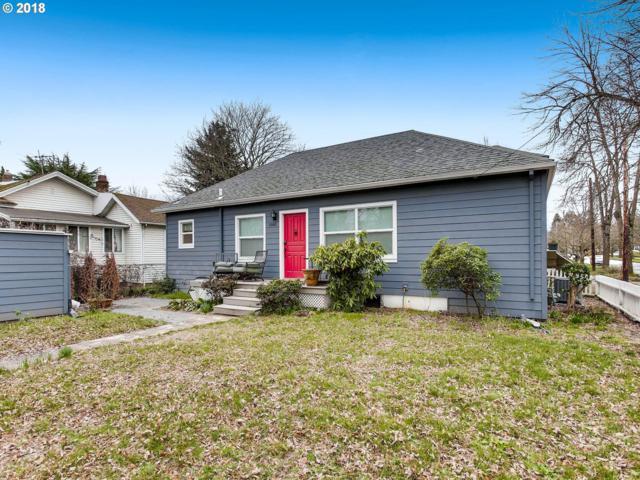 1580 SE Sherrett St, Portland, OR 97202 (MLS #18558013) :: Hatch Homes Group