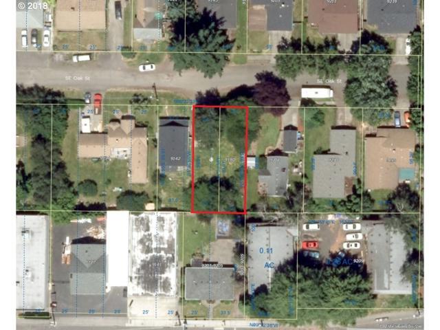 9180 SE Oak St, Portland, OR 97216 (MLS #18558030) :: Fox Real Estate Group