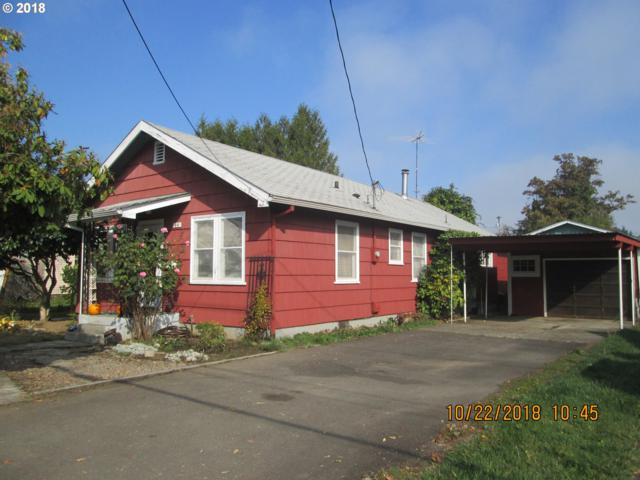 44 S 21ST St, St. Helens, OR 97051 (MLS #18559044) :: Fox Real Estate Group