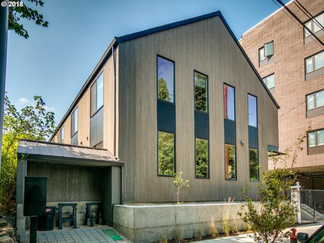 428 NE Ivy St, Portland, OR 97035 (MLS #18563324) :: Hatch Homes Group