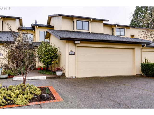 585 Wimbledon Ct, Eugene, OR 97401 (MLS #18566401) :: The Galand Haas Real Estate Team