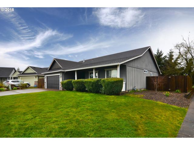 922 S 9TH St, Harrisburg, OR 97446 (MLS #18568267) :: Song Real Estate