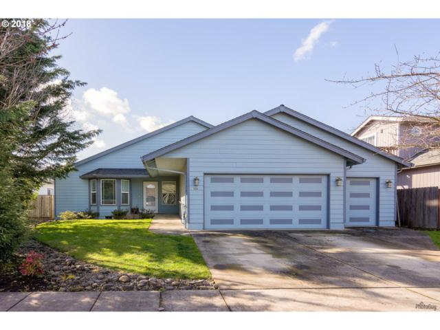 1084 S 11th St, Harrisburg, OR 97446 (MLS #18574002) :: The Dale Chumbley Group