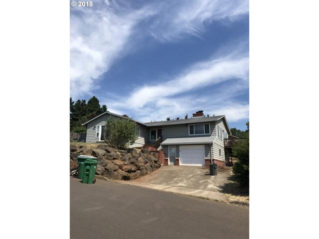 1020 SW 2ND St, Dundee, OR 97115 (MLS #18585572) :: Song Real Estate