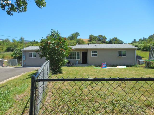 5239 Lance St, Roseburg, OR 97471 (MLS #18587680) :: Team Zebrowski