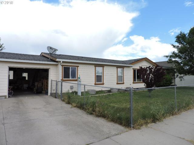 3007 Q Ave, La Grande, OR 97850 (MLS #18589337) :: Keller Williams Realty Umpqua Valley