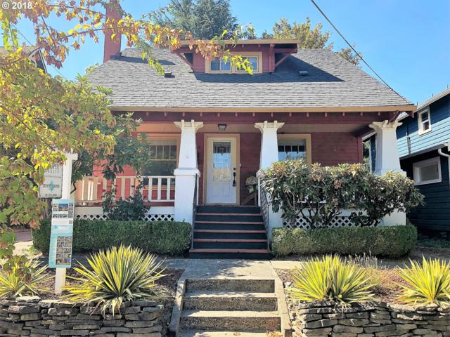 8615 SE 11TH Ave, Portland, OR 97202 (MLS #18589834) :: The Sadle Home Selling Team