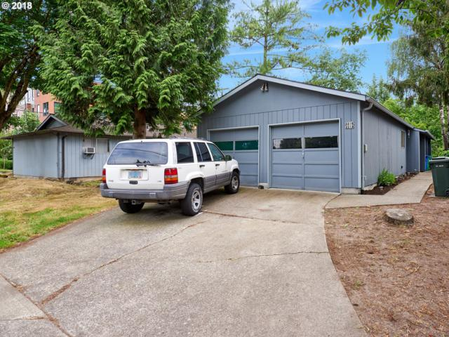 2216 SE Tacoma St, Portland, OR 97202 (MLS #18594859) :: TLK Group Properties