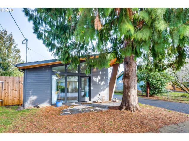 8757 SE Rural St, Portland, OR 97266 (MLS #18596261) :: HomeSmart Realty Group