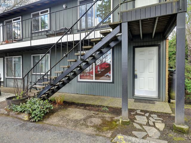 724 SE 16TH Ave, Portland, OR 97214 (MLS #18600697) :: The Dale Chumbley Group