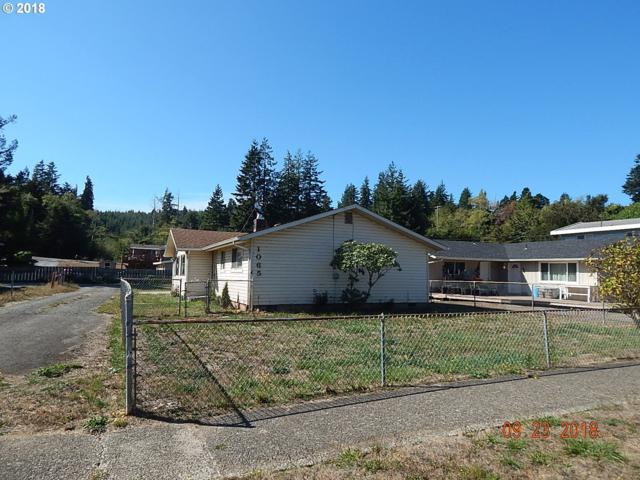 1065 S 8TH, Coos Bay, OR 97420 (MLS #18616856) :: Fox Real Estate Group