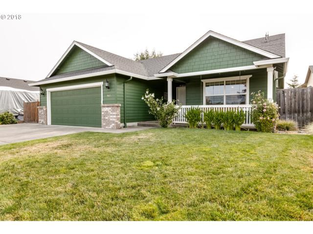 945 S 9TH St, Harrisburg, OR 97446 (MLS #18625371) :: The Lynne Gately Team