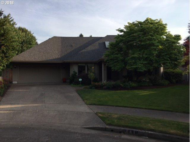 841 Fairway View Dr, Eugene, OR 97401 (MLS #18627033) :: Song Real Estate