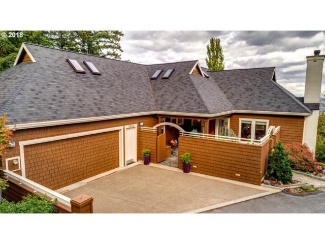 3058 SW Fairmount Blvd SW, Portland, OR 97239 (MLS #18633480) :: McKillion Real Estate Group