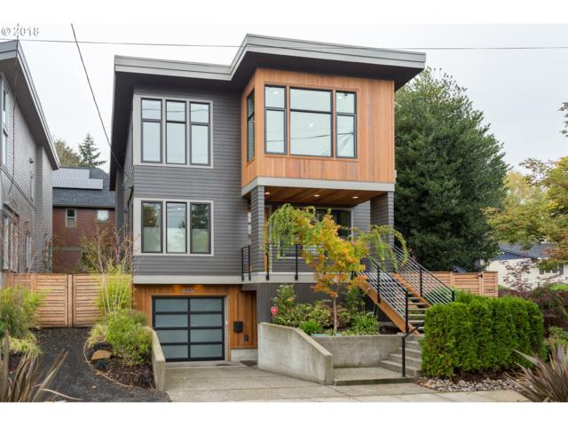 8237 SE 15TH Ave, Portland, OR 97202 (MLS #18635177) :: Cano Real Estate