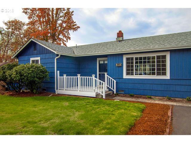 3058 Follett St, Roseburg, OR 97470 (MLS #18647314) :: Song Real Estate