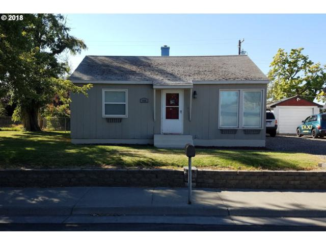 496 E Sunset Dr, Hermiston, OR 97838 (MLS #18647359) :: Hatch Homes Group