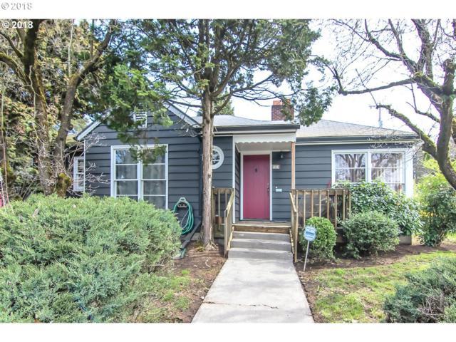 5924 SE Cesar E Chavez Blvd, Portland, OR 97202 (MLS #18656163) :: Hatch Homes Group