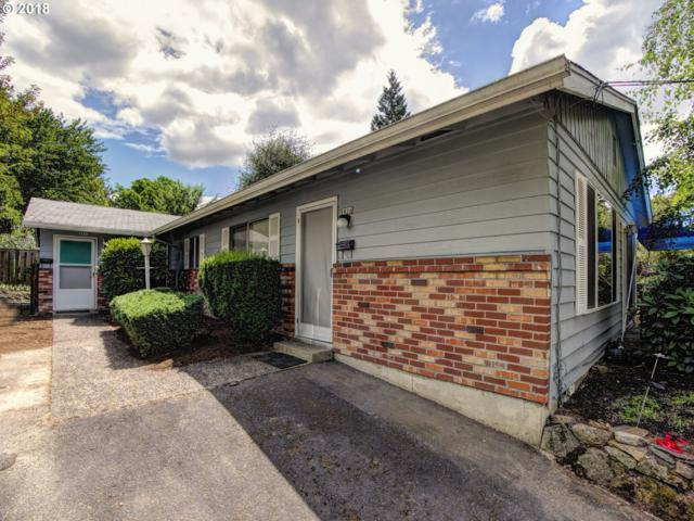 8834 SE 9TH Ave, Portland, OR 97202 (MLS #18661553) :: The Sadle Home Selling Team