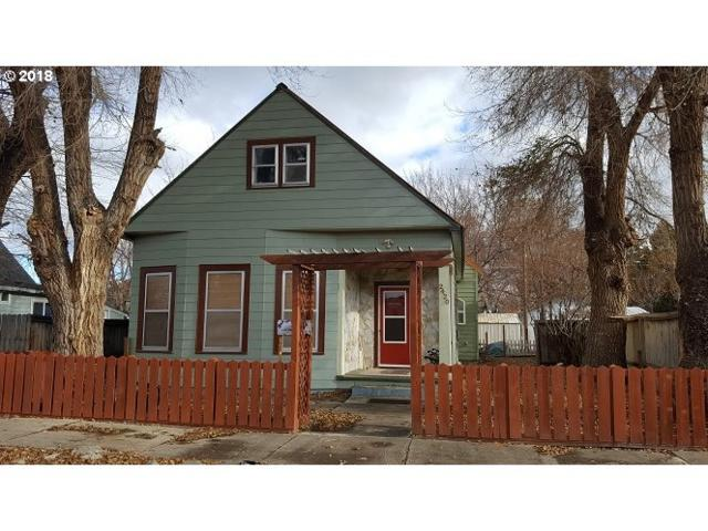 2420 9TH St, Baker City, OR 97814 (MLS #18662464) :: Cano Real Estate