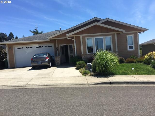 967 Inlet Loop, Coos Bay, OR 97420 (MLS #18663810) :: Fox Real Estate Group