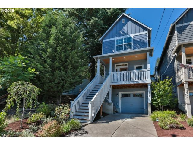1707 SW Moss St, Portland, OR 97219 (MLS #18666375) :: Hatch Homes Group