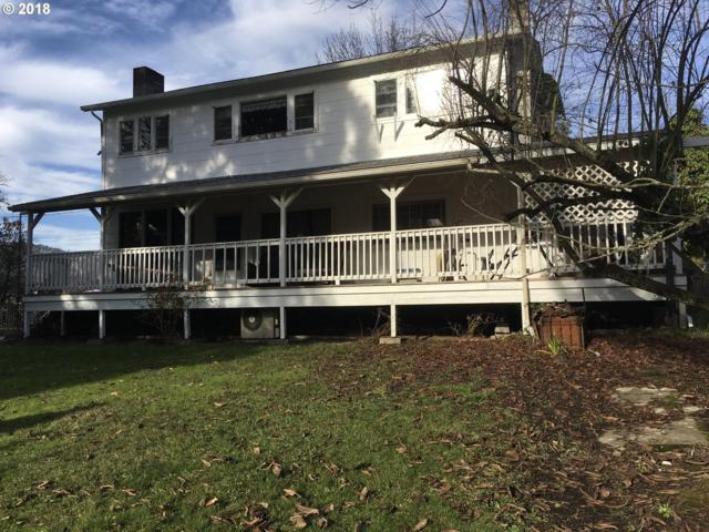 1745 SE Jackson St, Roseburg, OR 97470 (MLS #18670374) :: Premiere Property Group LLC