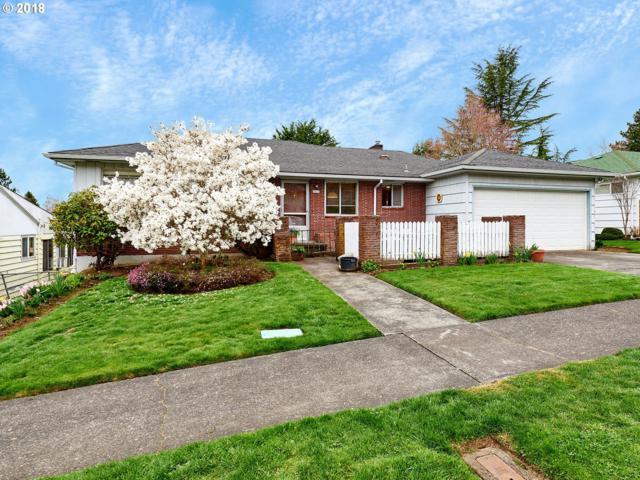 6417 SW Loop Dr, Portland, OR 97221 (MLS #18675891) :: Hatch Homes Group