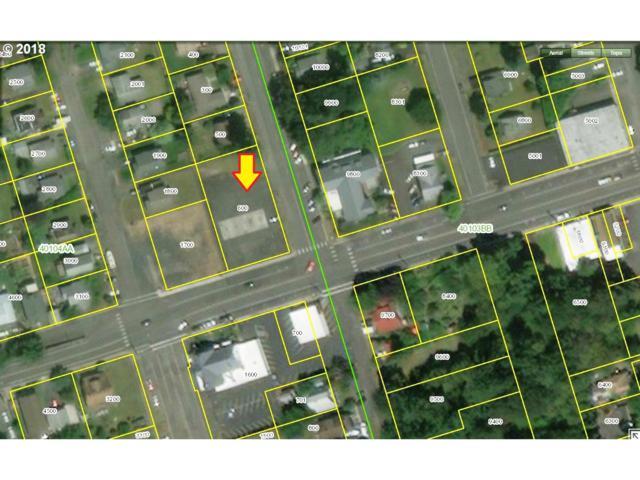 681 N 6th St, St. Helens, OR 97051 (MLS #18676165) :: Premiere Property Group LLC