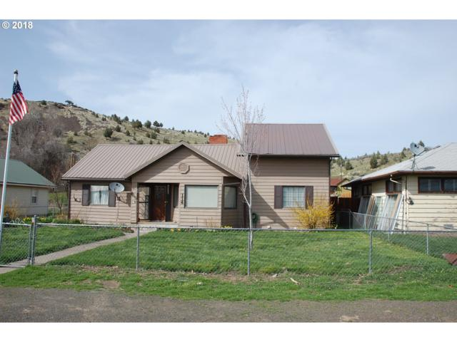 114 First St, Fossil, OR 97830 (MLS #18678143) :: Team Zebrowski
